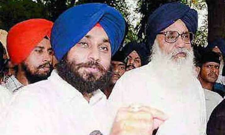 don t meddle in sikh affairs akali dal warns congress