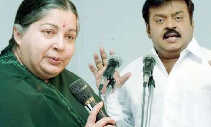 ec issues notices to jaya vijayakant