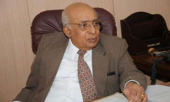 end smear campaign against rss says former sc judge thomas