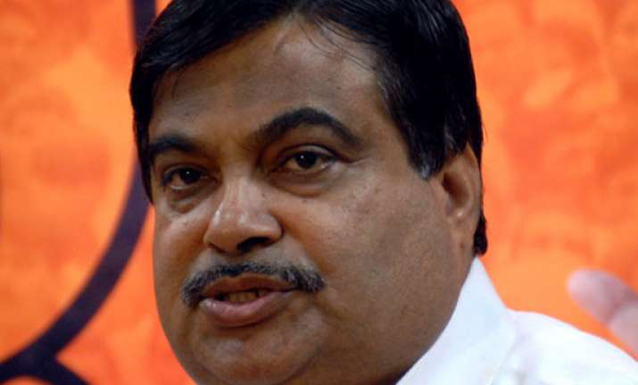 gadkari does some plain speaking about politics