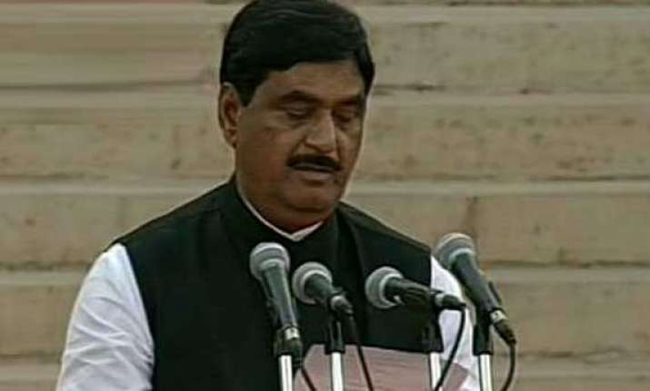 gopinath munde had wanted to be late for oath taking in lok