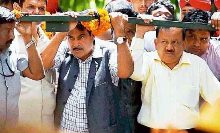 gopinath munde should have worn seat belt harsh vardhan
