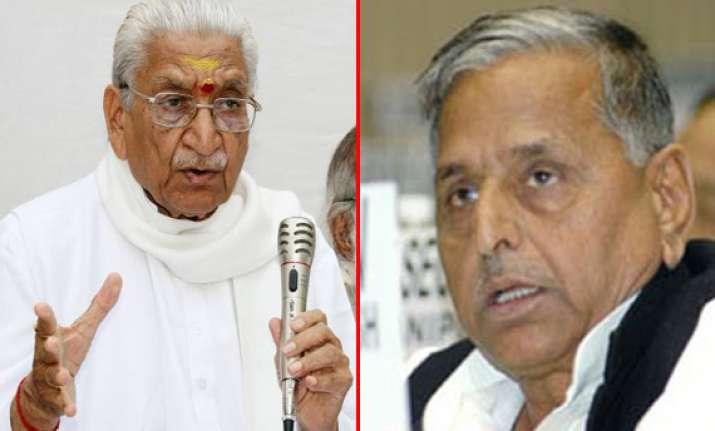 vhp leader singhal describes sp bjp matchfixing remark as