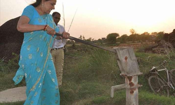 hema malini copes with dust din to charm mathura