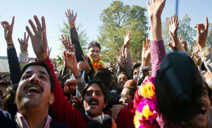 himachal congress celebrates victory