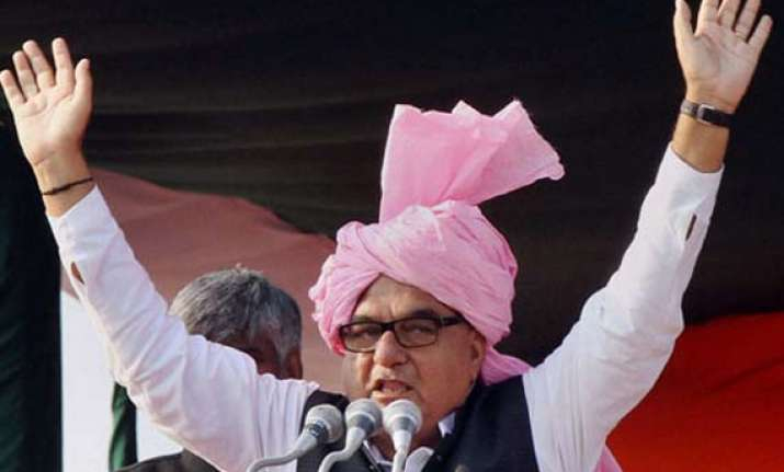hooda asks voters to avenge insult at narendra modi s