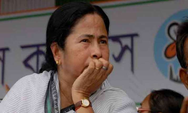 hotelier dies after trinamool threat bjp left blame mamata