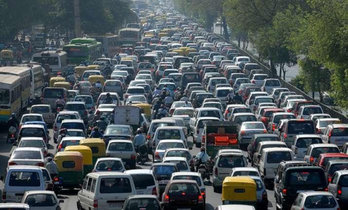 huge traffic snarls in delhi during congress rally