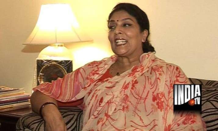 why is narendra modi dying for us visa asks renuka