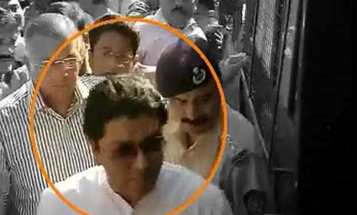 in pics raj thackeray s detention by police and his