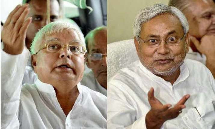 nitish kumar lalu prasad hold one on one meet to sort out