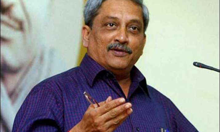 manohar parrikar wants pacheco to inform assembly of actual