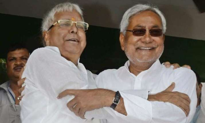 pm modi trying to create rift between nitish and me lalu