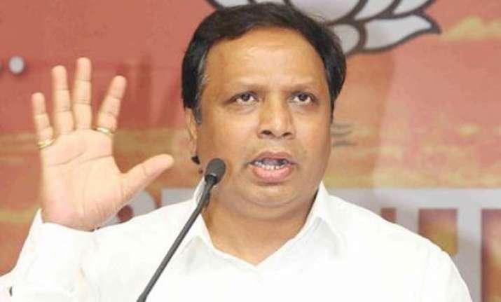 bjp hits back says shiv sena indulging in selfish patriotism