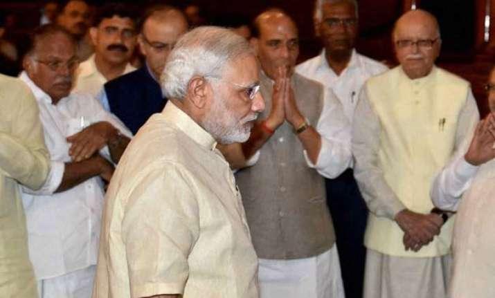 after sonia s rebuke modi praises tharoor s oxford speech