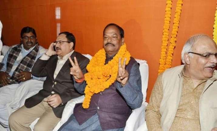raghuvar das meets amit shah ahead of swearing in as cm