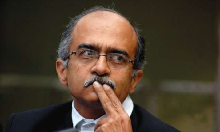 prashant bhushan welcomes stay order on delhi govt circular