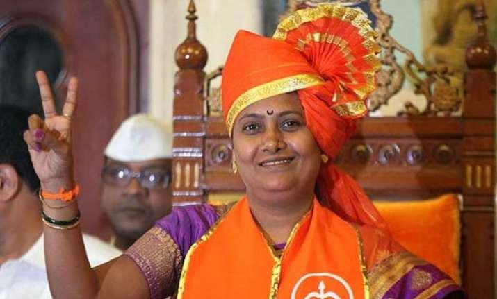 mumbai mayor snehal ambedkar compares pm modi with hitler