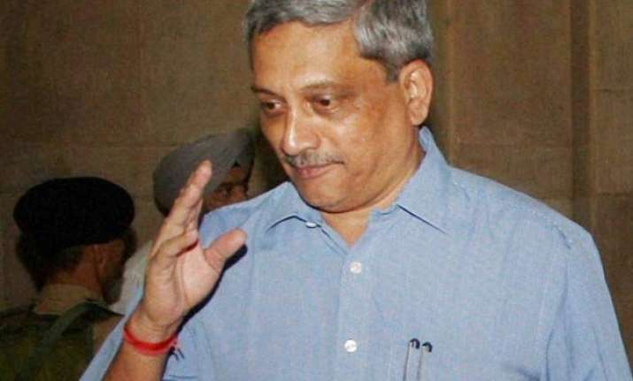 manohar parrikar casts vote in panaji civic polls walks