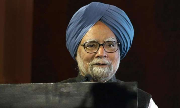 manmohan singh gives thumbs down to nda s budget