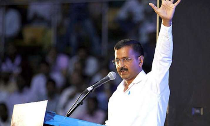 bjp uses kejriwal s tweets to attack him over nitish support