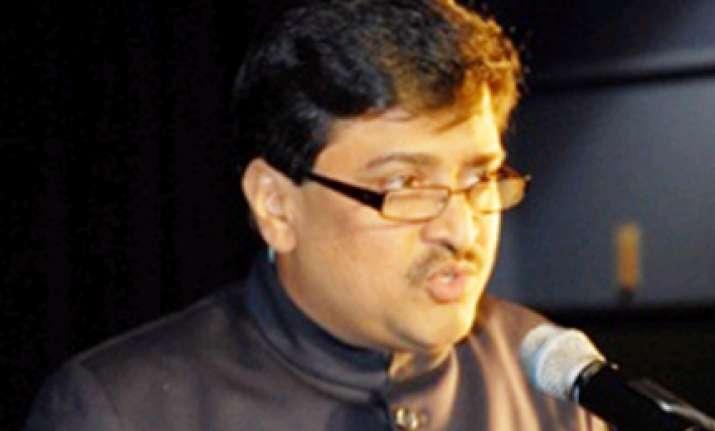 chavan announces 5 lakh for villages that gave him max votes