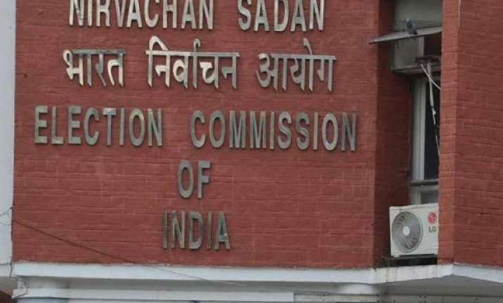 after ec order on vadra land deal congress demands apology