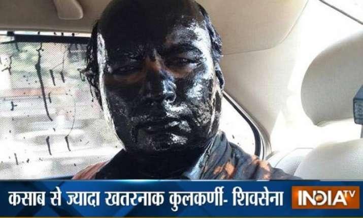 shiv sena compares sudheendra kulkarni with ajmal kasab