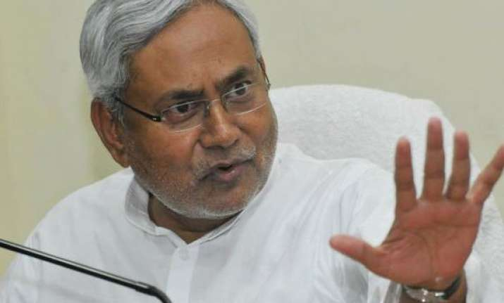 nitish seeks apology compensation from railway ministry
