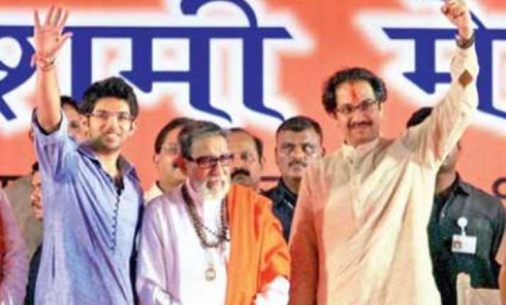bal thackeray launches grandson in politics
