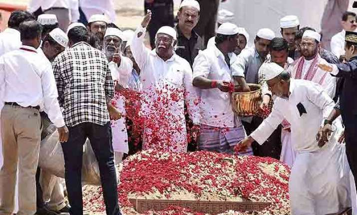 in pics people s president apj abdul kalam laid to rest