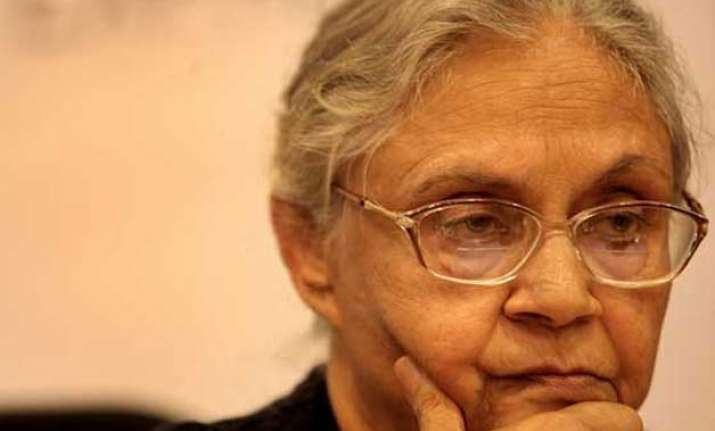 sheila dikshit denies questioning rahul gandhi s leadership