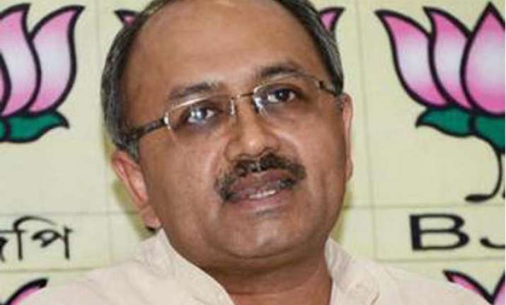 bjp leader serves legal notice to tmc mps