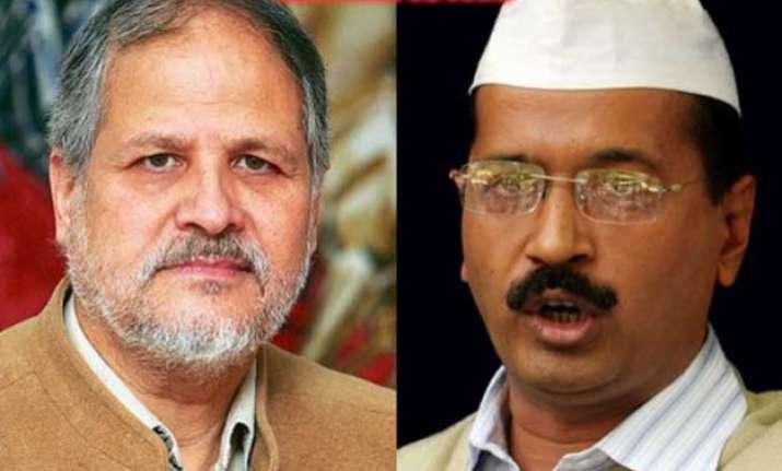 delhi hc backs l g but asks him to consider proposals sent