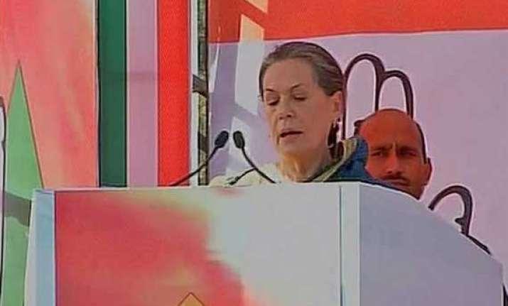 haryana polls sonia gandhi attacks narendra modi questions