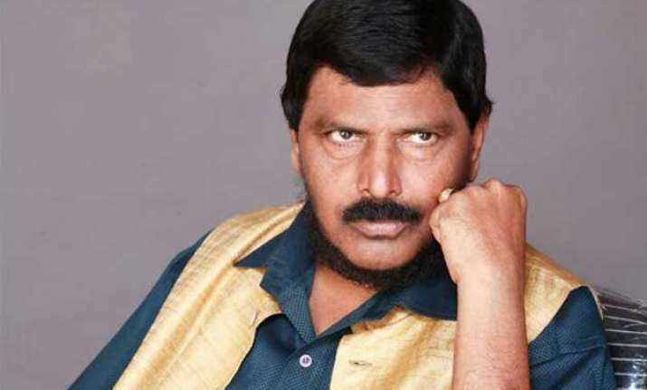 athawale asks bjp to make him central minister