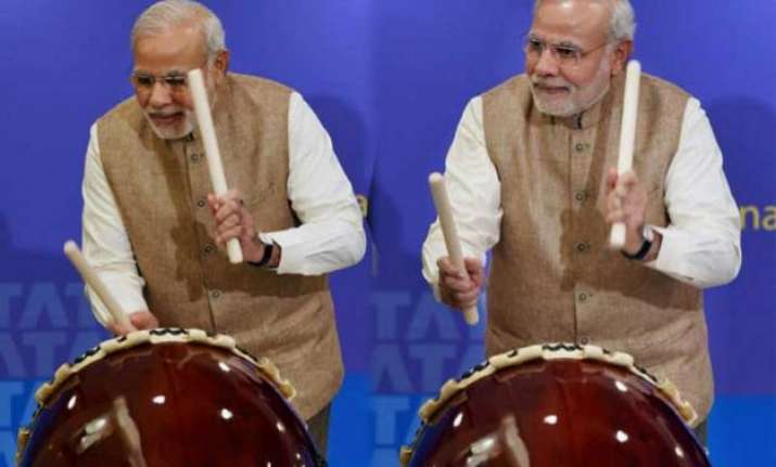 when pm modi played drums at japan watch video