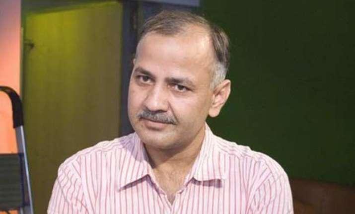 kejriwal vs jung manish sisodia s meeting with bureaucrats