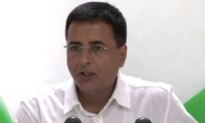 congress accuses modi govt of diluting rti act