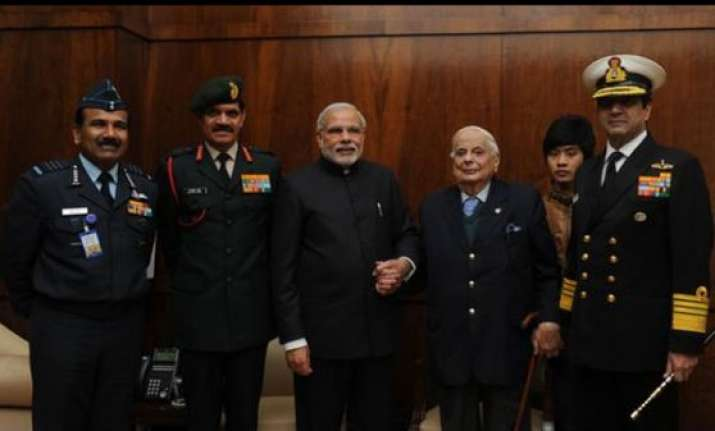 pm modi remembers valour of armed forces on vijay diwas
