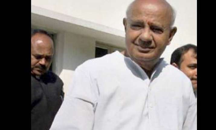 cid to probe into corruption during deve gowda s tenure