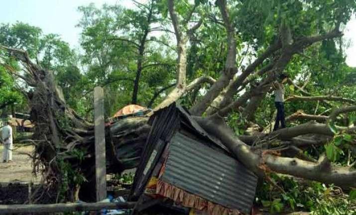 congress demands declaring bihar storm a national calamity