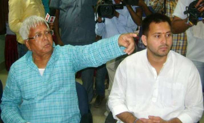 lalu s son tejashwi has no vehicle nitish kumar s son is