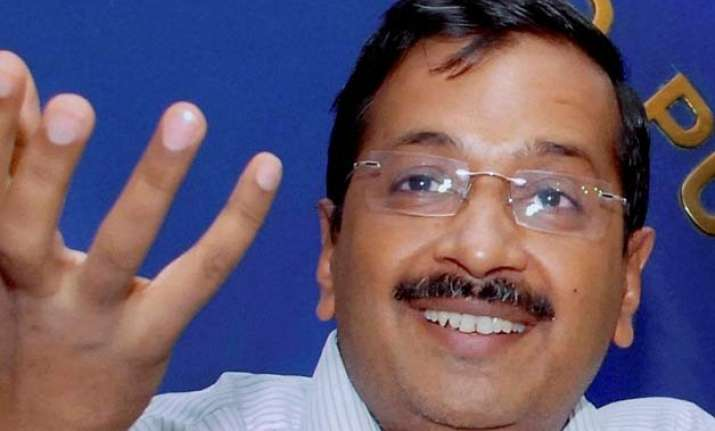 arvind kejriwal apologises for calling policemen thulla