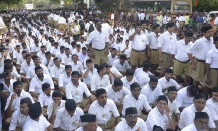 delhi polls rss mobilises cadre to ensure bjp s victory