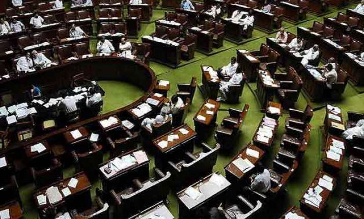 lok sabha resists protests continues session