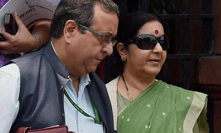 tell how many times you met lalit modi congress asks sushma