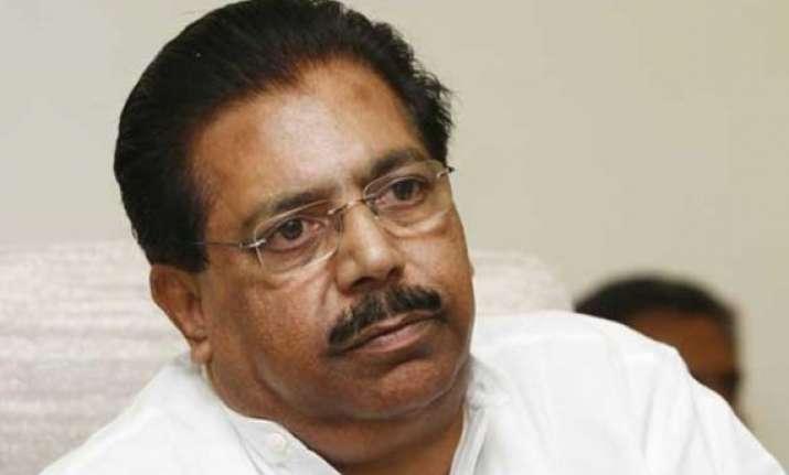 congress adopting new strategy for delhi polls