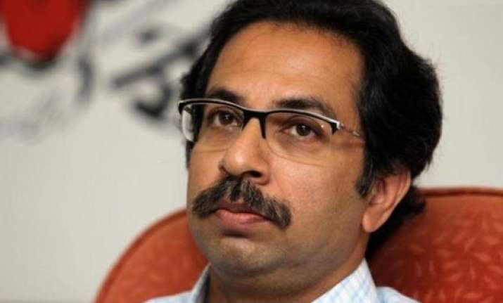 shiv sena bows down announces support to bjp s cm candidate