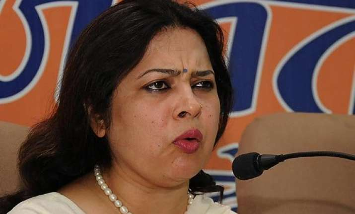 saradha scam action bjp says mamata is pressing panic button